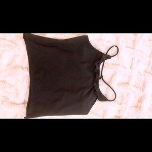 Tops - Cropped black cami